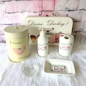 Other - French Beauty Glamour Girly Bathroom Set